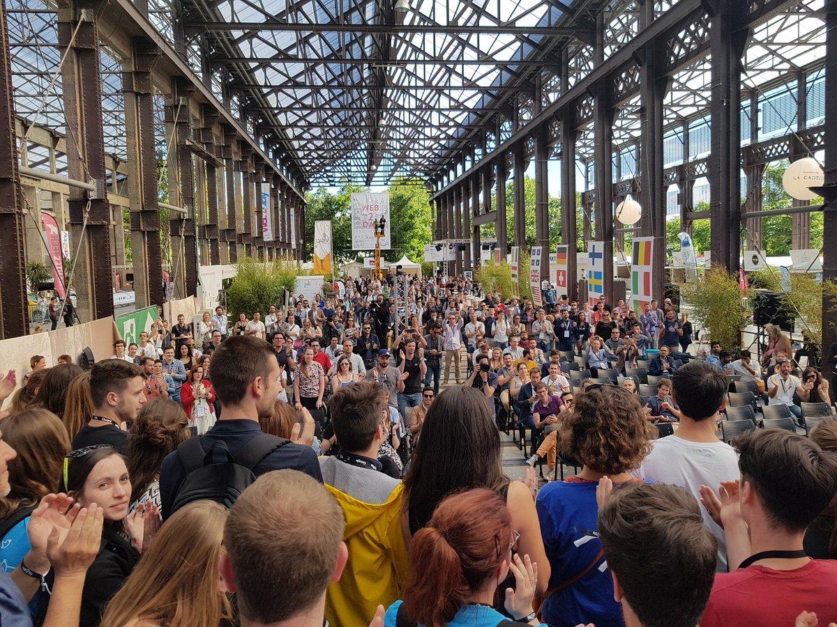 Foule rassemblée lors de l'évènement Web2Day à Nantes